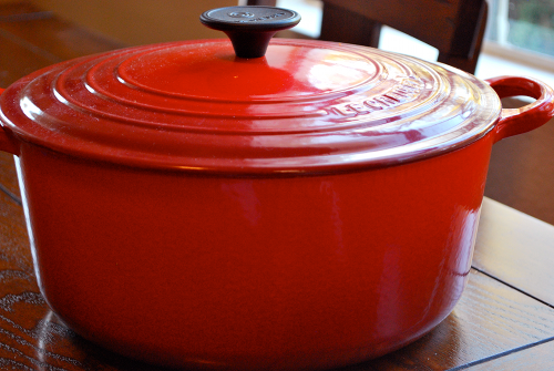 image of a Le Creuset 5 1/2 Quart Round French Oven on a sweet pea chef
