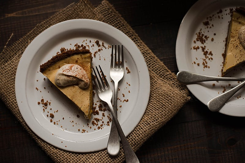 Pumpkin Cheesecake With Gingersnap Crust