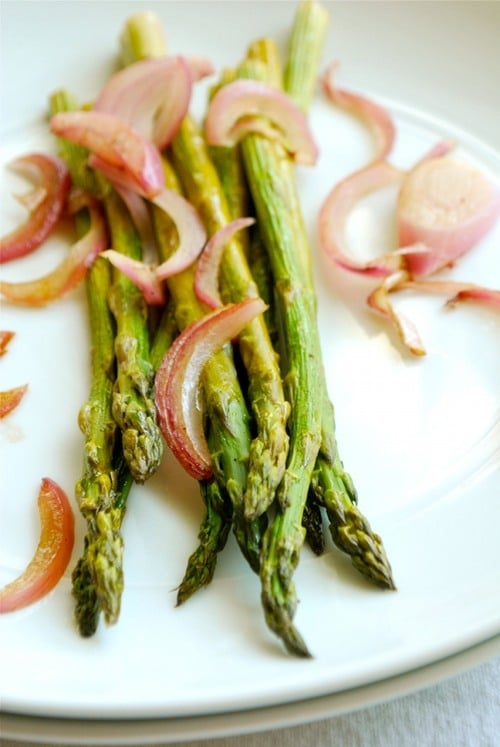 Roasted Asparagus recipe and images by Lacey Baier, a sweet pea chef