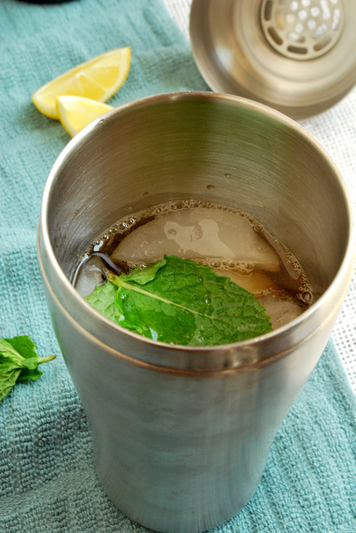 Lacey's Hard Sweet Tea recipe and images by Lacey Baier, a sweet pea chef