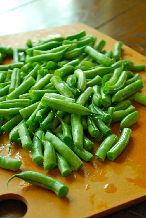 Southern Green Beans recipe and images by Lacey Baier, a sweet pea chef