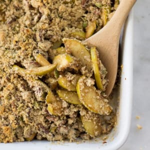 Healthy Apple Crumble | Gluten-Free, Clean-Eating, Vegan, and Super Easy!