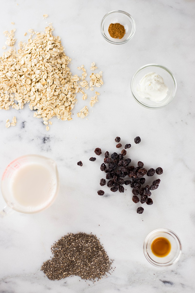 Cinnamon Raisin Overnight Oats Recipe   Quick, healthy, and less than 10 minutes to prep!   A Sweet Pea Chef
