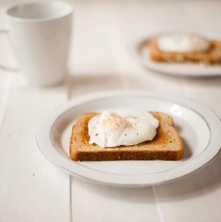 How To Poach An Egg - Video