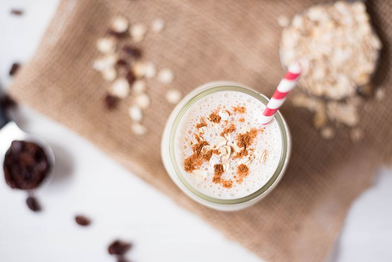 Oatmeal Raisin Cookie Protein Shake | A healthier alternative to an oatmeal raisin cookie. www.asweetpeachef.com