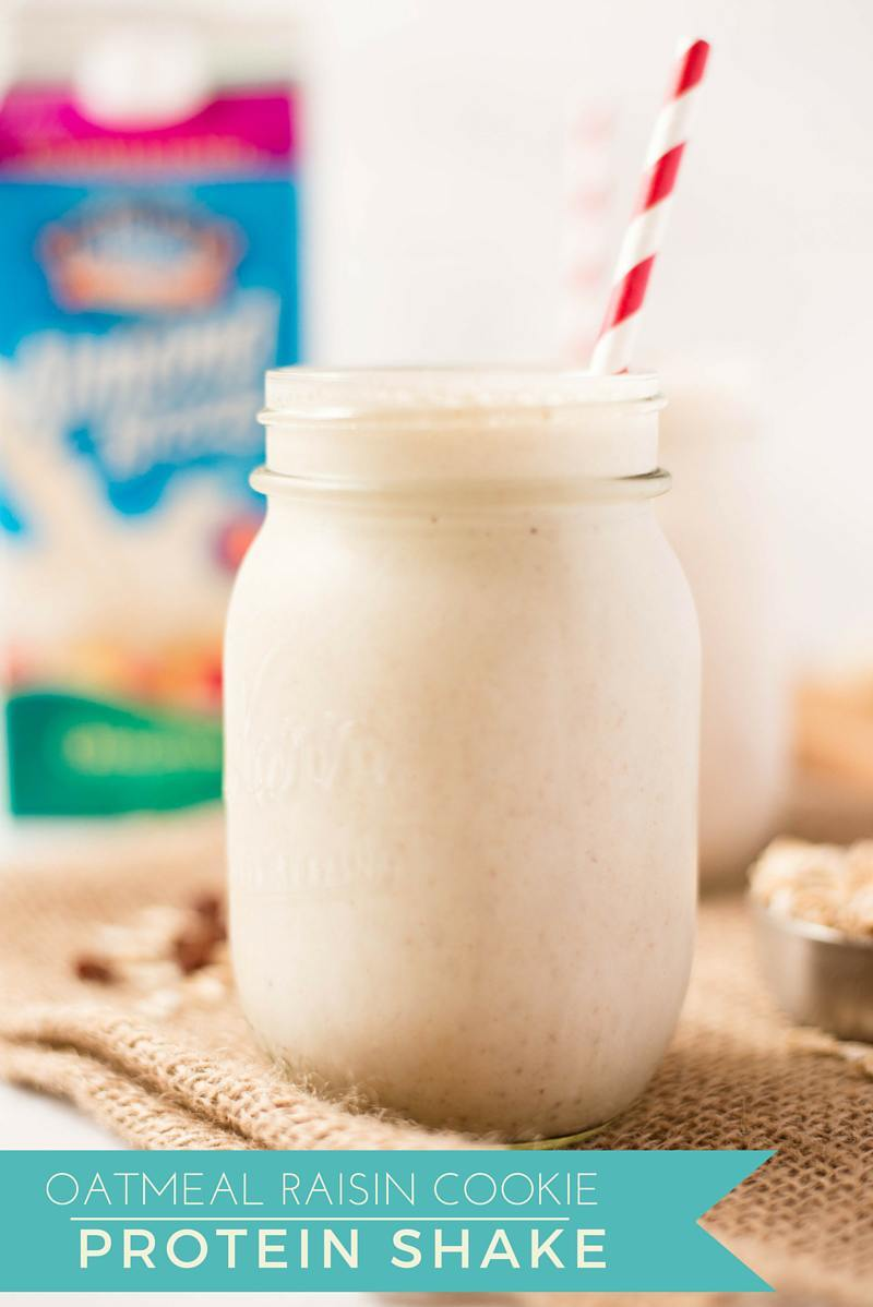 Oatmeal Raisin Cookie Protein Shake #ad | A healthier alternative to an oatmeal raisin cookie. www.asweetpeachef.com