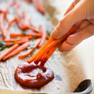 Baked Carrot Fries + Homemade Ketchup Without Sugar!