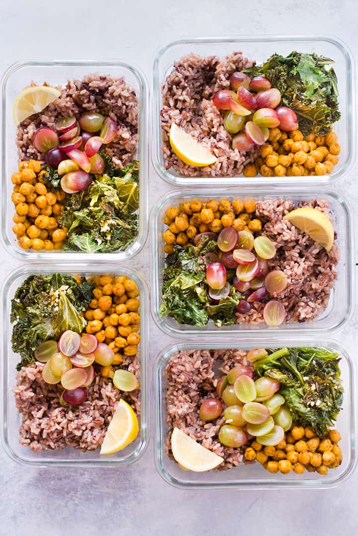 Overhead view of all 5 of the turmeric chickpea buddha bowls which are the lunch for this 5 day anti-inflammatory meal plan.